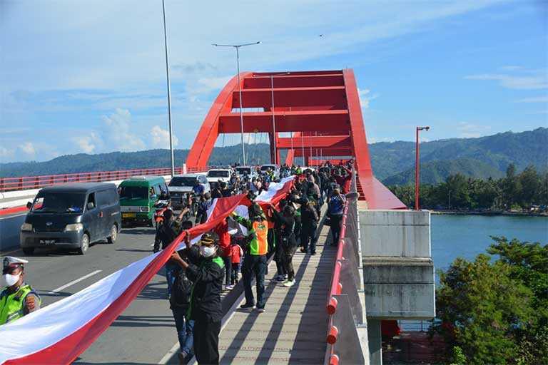 Merah Putih Di Jembatan Merah