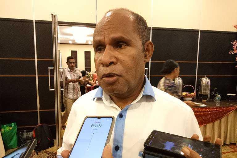 Bantah Gubernur Papua ke Jakarta Karena Corona