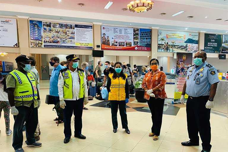 Air Asia Jemput WNA di Papua