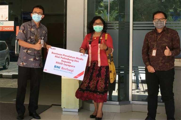 BNI Jayapura Serahkan Bantuan di 3 Rumah Sakit