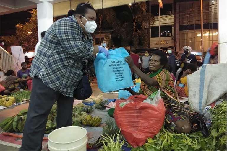 Mama Papua Sepakat Tidak Jualan
