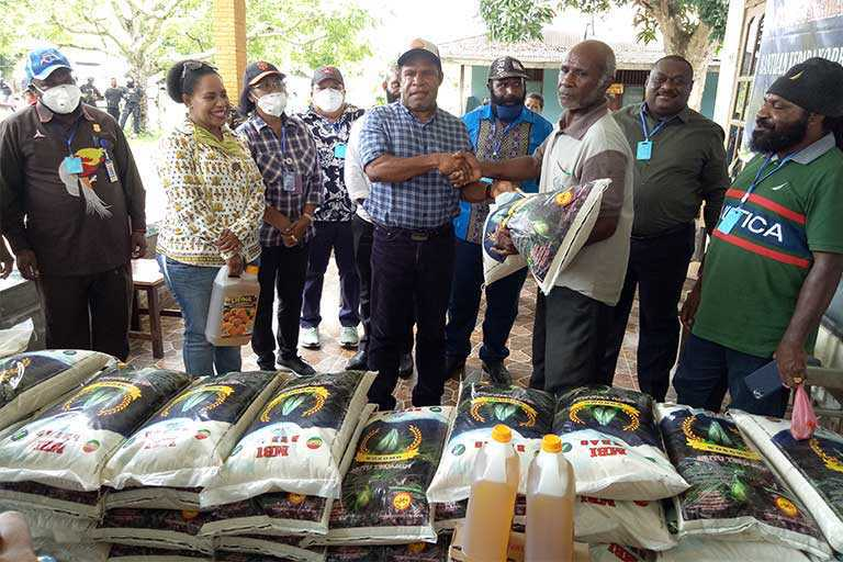 DPR Papua Sambangi Korban Pertikaian