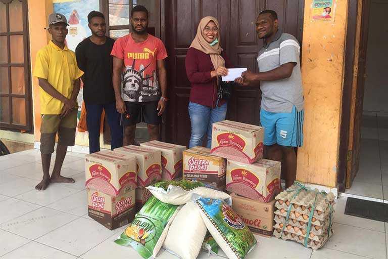 Gerindra Papua Berikan Bantuan Bama di 3 Asrama