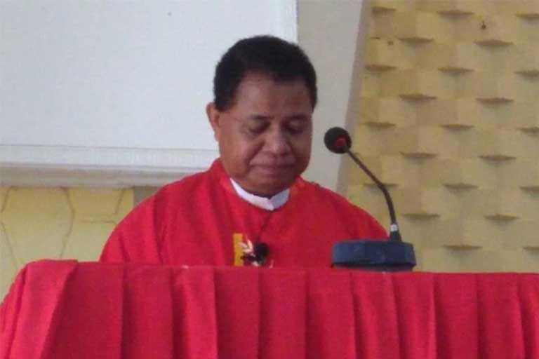 Pastor Paroki Waena