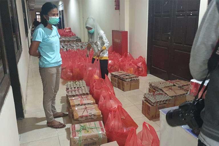 Pemkot Jayapura Berikan Bantuan Sembako Bagi Wartawan