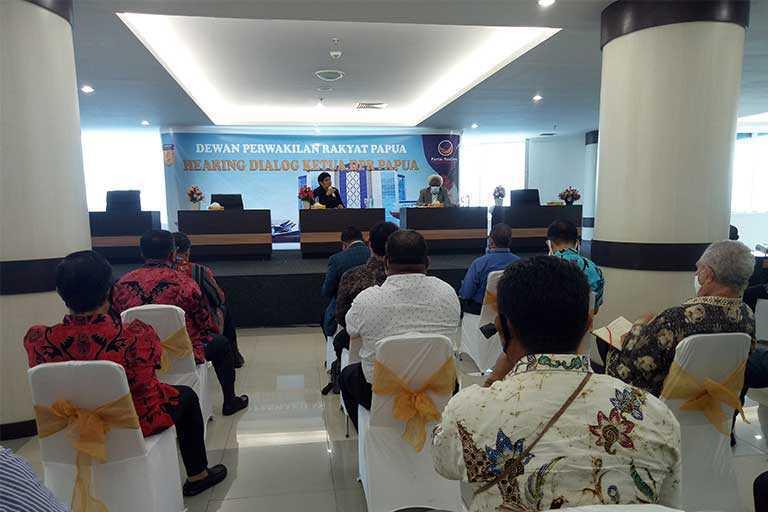 DPR Papua Sarankan Pemda Mau Biayai Guru Yayasan