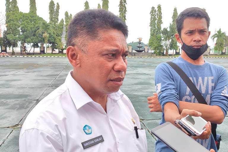 Sekolah Negeri di Papua Dilarang Pungut Biaya