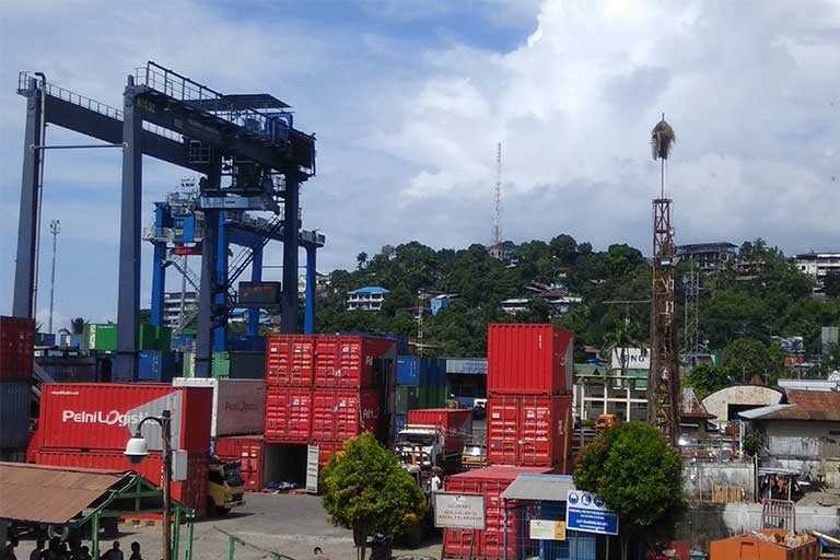 Pelabuhan Jayapura.