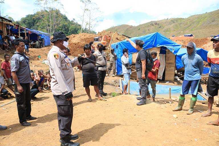 Penambangan Emas Ilegal Di Kota Jayapura