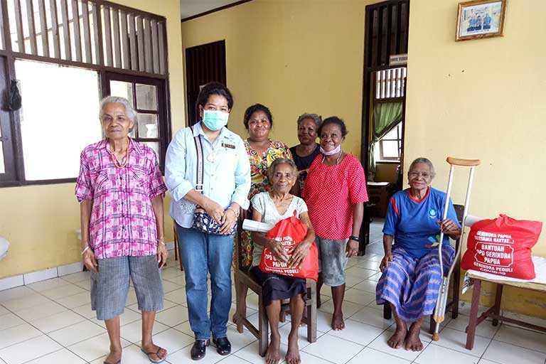 Fraksi Gerindra DPR Papua Sambangi Panti Jompo