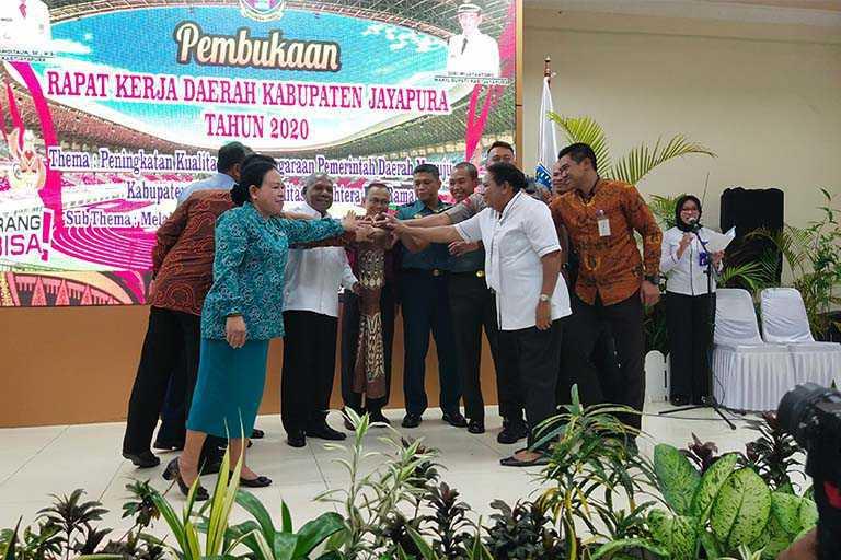 Bupati Jayapura Buka Rakerda 2020