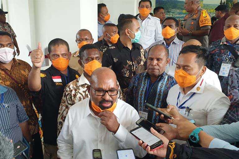 Papua Tutup Penerbangan dan Pelayaran