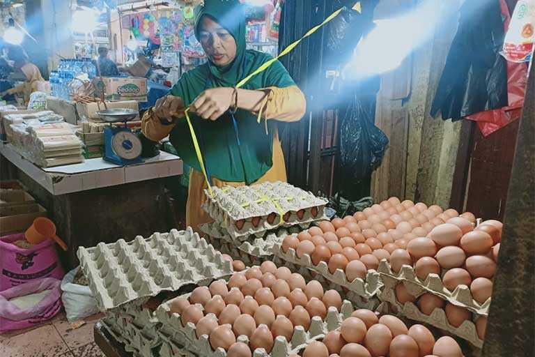 Harga Telur dan Gula papua Melonjak