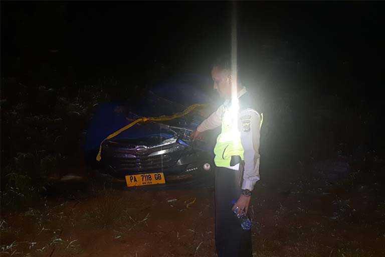 Mobil Terbalik Muhammad Yasin Anggota TNI tewas