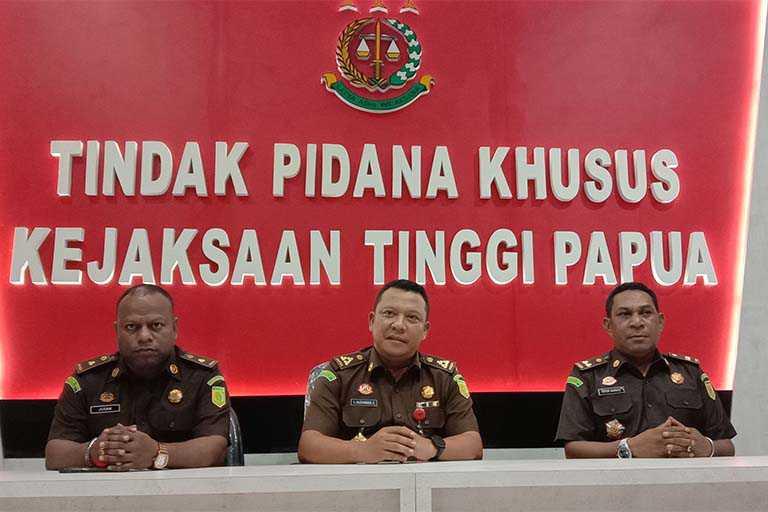 Kejati Papua Tetapkan Bupati Waropen Tersangka Gratifikasi