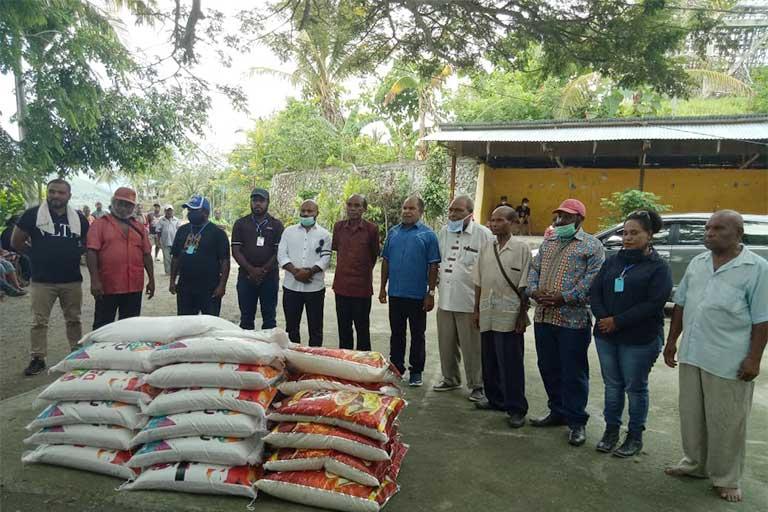 DPR Papua Bantu Kampung Puay
