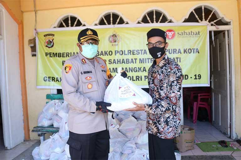 Polresta Salurkan Bantuan Sembako
