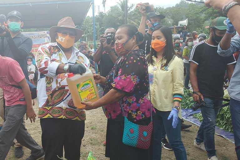 Pemprov Papua Salurkan Sembako