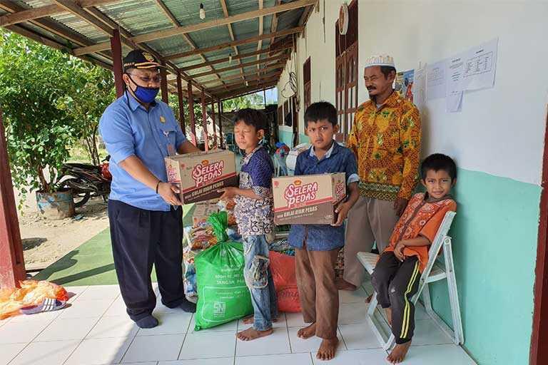 DPR Papua Salurkan Bama di Keerom