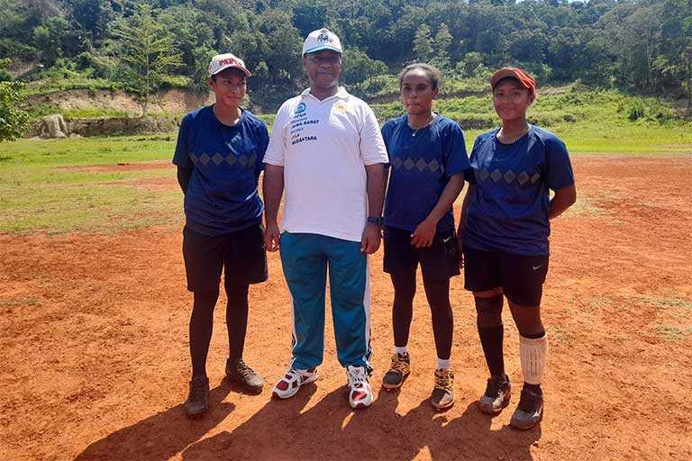 Tiga Atlet Softball PON Papua Dapat Beasiswa