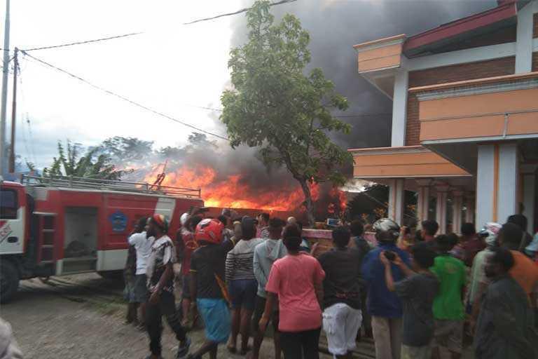 5 Rumah Di Wamena Terbakar