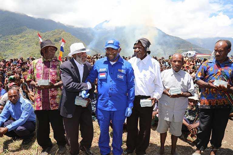 Demokrat Papua Bantu 17 Jemaat GIDI