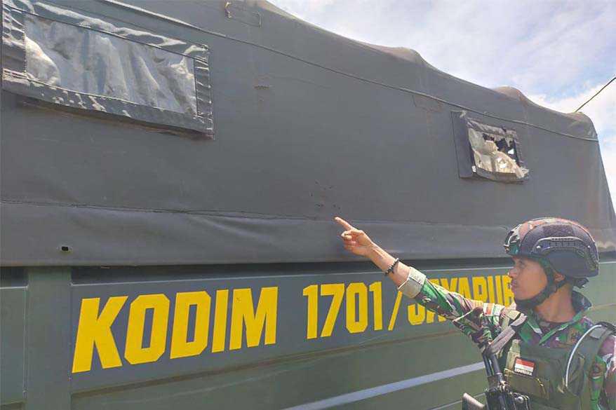 Truk Kodim 1701/JPR Ditembak KKSB Di Arso