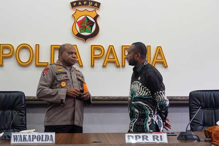 mandenas Kunker Ke Papua